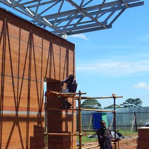 Il cantiere del Centro di chirurgia pediatrica di Entebbe, in Uganda