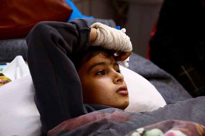EMERGENCY-Iraq-Erbil-bambino-in-corsia-vittima-di-guerra
