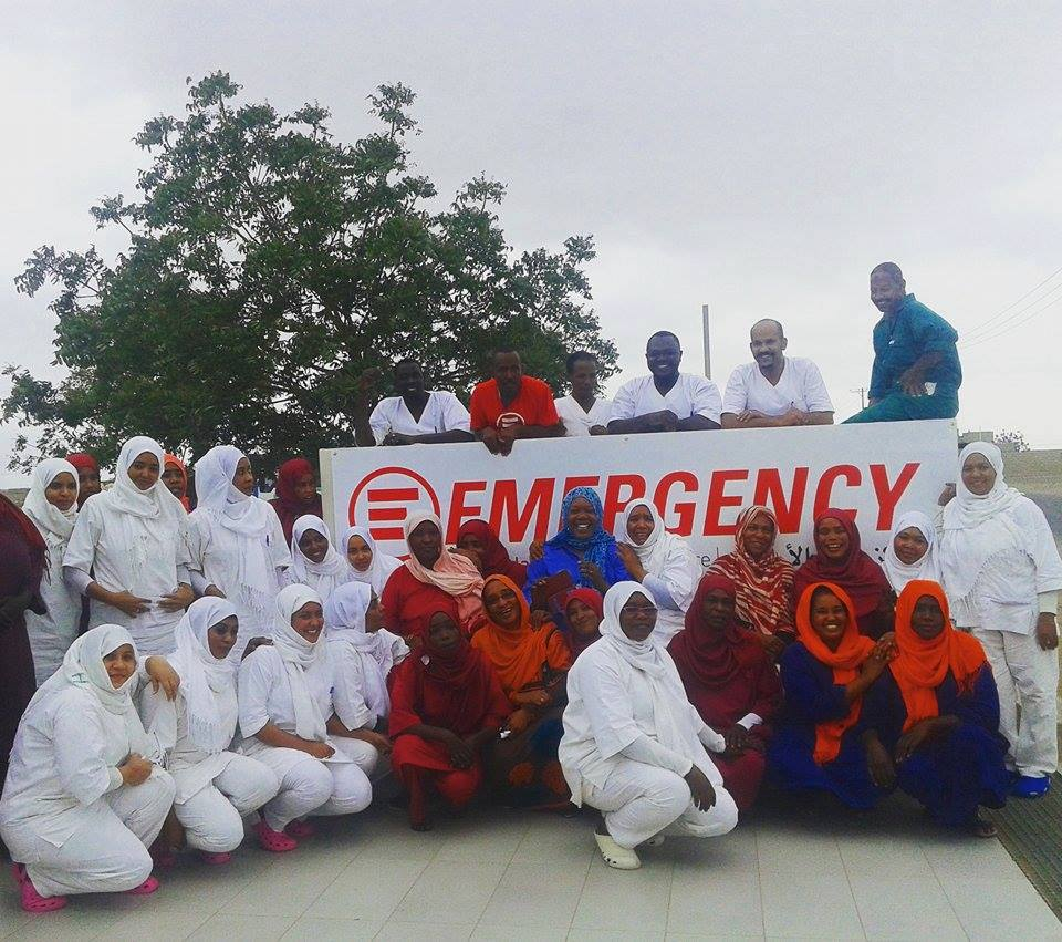 Foto di gruppo dello staff del Centro pediatrico di EMERGENCY a Port Sudan