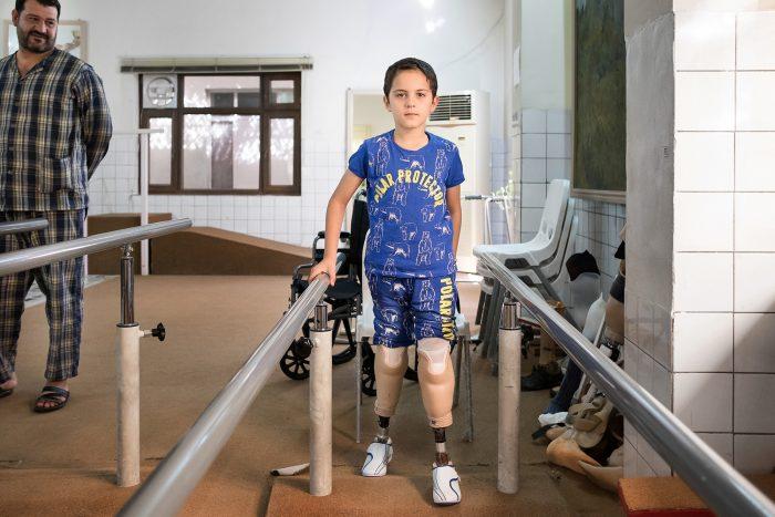 Bakir e suo padre al Centro di riabilitazione e reintegrazione sociale di Sulaimaniya, in Iraq