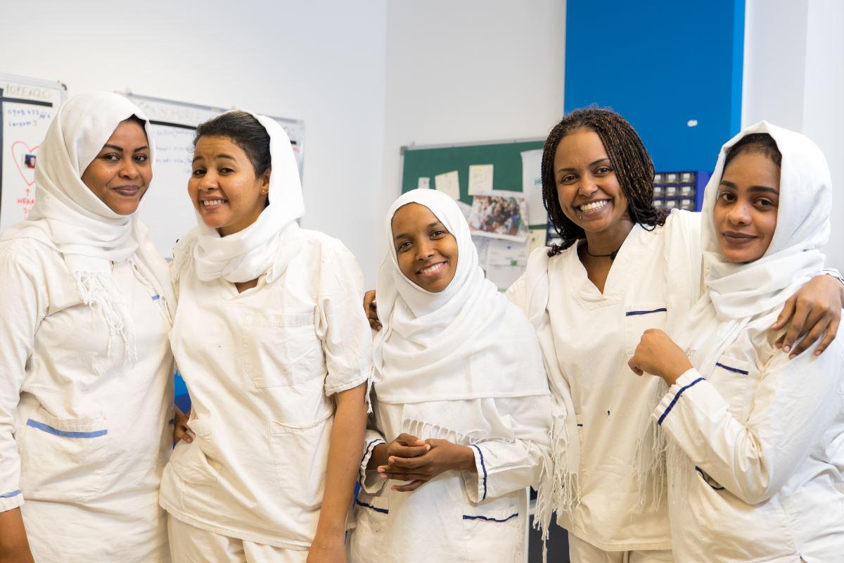 Le donne dello staff del Centro Salam di EMERGENCY a Khartoum