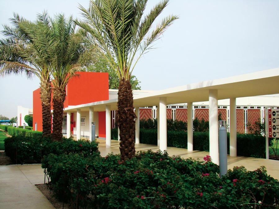 Vista esterna del 'Salam', il Centro di eccellenza di EMERGENCY in Sudan, specializzato in cardiochirurgia