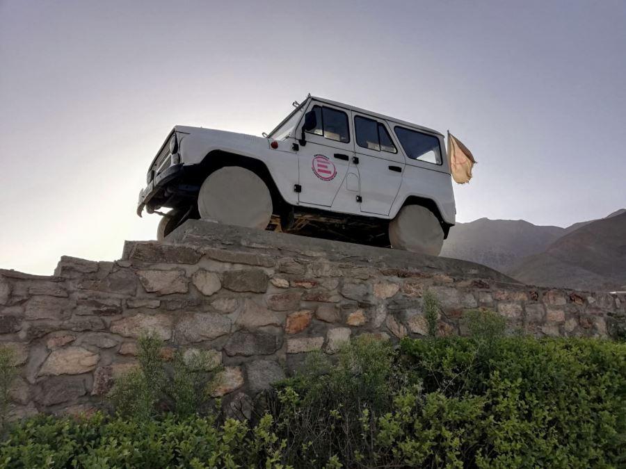 Il fuoristrada modello Uaz con cui nel 1999 lo staff di EMERGENCY raggiunse la Valel del Panshir, in Afghanistan