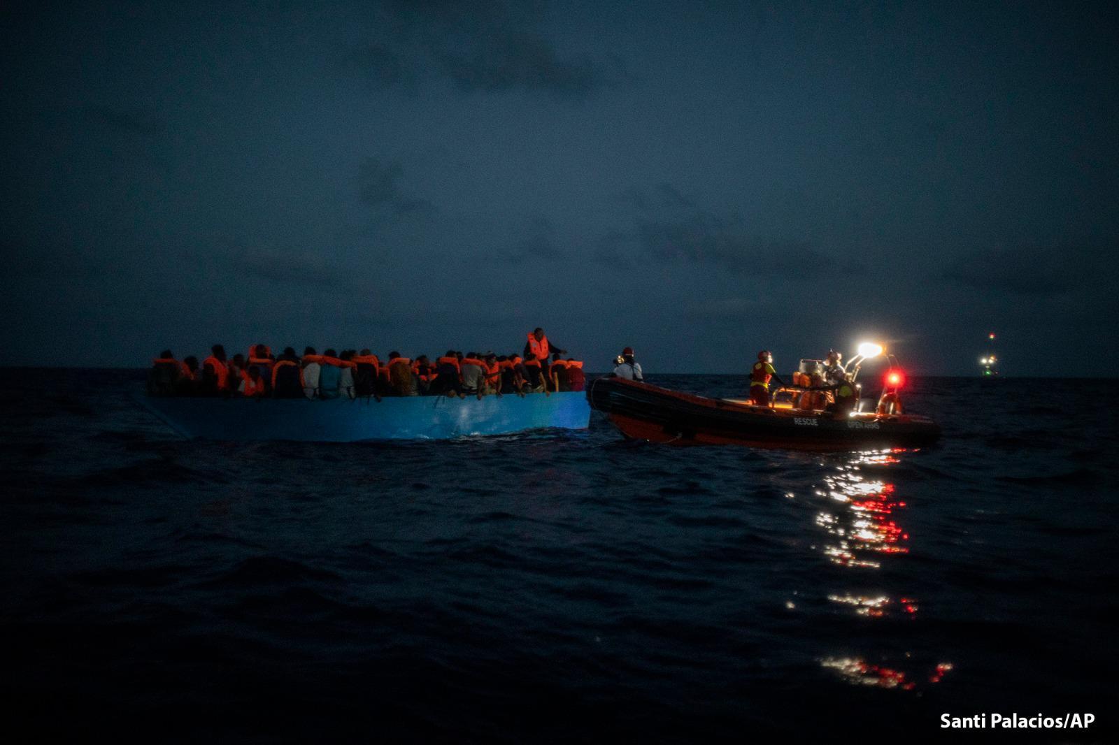 Salvataggio di 83 persone nel Mediterraneo Centrale